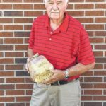 Simmons grows giant vegetable